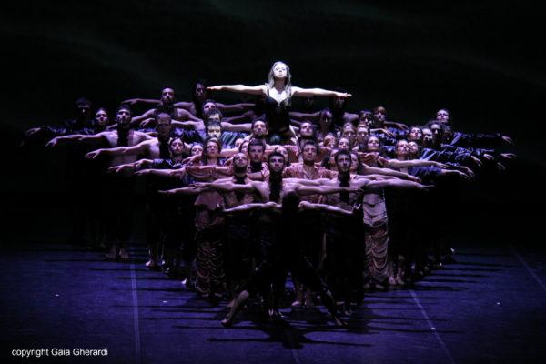 Artemis-Danza-ne-La-Doppia-Notte-di-Monica-Casadei